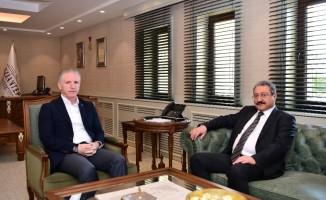 Bakan Yardımcısı Güven'den Vali Gül'e ziyaret