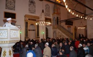 Balıkesir'de Mevlit Kandili'nde camiler doldu taştı