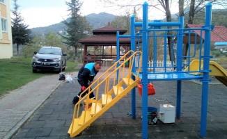 Başiskele'de park ve bahçelere onarım yapılıyor