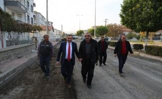 Başkan Cabbar, sıcak asfalt çalışmalarını yerinde inceledi