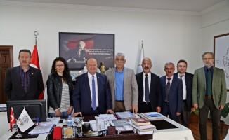 Başkan Özakcan sendikacıları ağırladı