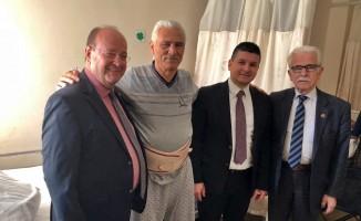Başkan Özakcan'dan Muhtar Aydemir'e geçmiş olsun ziyareti