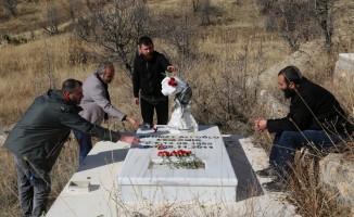 Depremde hayatını kaybeden gazeteci Cem Emir anıldı
