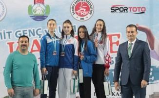 Diyarbakırlı şampiyon karateciler madalyalarını aldı
