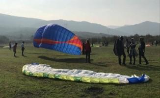 Geleceğin yamaç paraşütçüleri Nilüfer'de yetişiyor