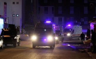 Hakkari'deki mühimmat  patladı : 25 askerimiz yaralı, 7 asker aranıyor