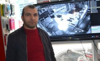 Hırsızlar İnegöl'de PTT acentesini soydu