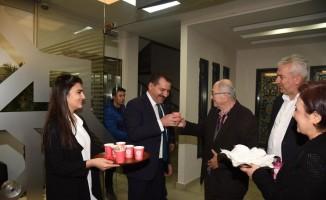 Karesi Belediyesi halka süt dağıttı