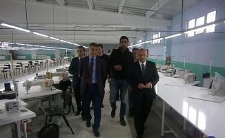 Kaymakam Özkan'dan tekstil atölyesine ziyaret