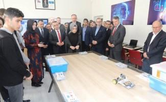Kırklareli Anadolu İmam Hatip Lisesi Robotik ve Kodlama Atölyesi açıldı