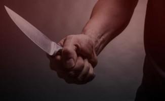 Kocasını 50 bıçak darbesi ile öldüren oğlundan şikayetçi olmadı