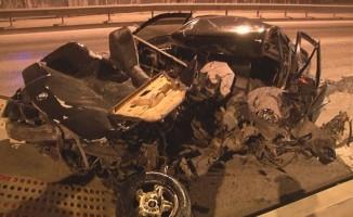 Kontrolden çıkan araç beton bariyerlere çarptı: 1 ağır yaralı