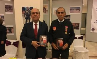 'Özel Harekatçı Olmak 2' kitabı İzmir'de tanıtıldı