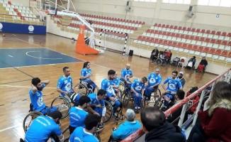Pamukkale Belediyespor galibiyetle başladı