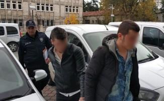 Polise direnip yaralayan 2 kişi tutuklandı