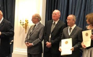 Prof. Dr. Birol Çotuk, Uluslararası Astronot Akademisi daimi üyesi oldu