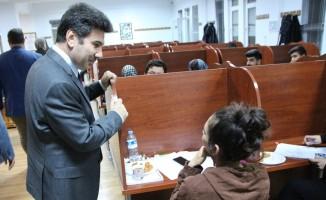 Rektör  Karacoşkun'dan Öğrencilere Sınav Haftası Ziyaretleri
