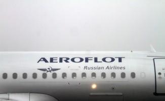 Rus havayolu şirketi çalışanlarına cep telefonunu yasakladı