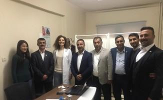 Sağlık-Sen yöneticilerinden Beytüşşebap'ta göreve başlayan Dr. Neslihan Arslan'a hayırlı olsun ziyareti
