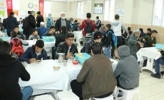 Şanlıurfa'da vatandaşlara çorba ikramı