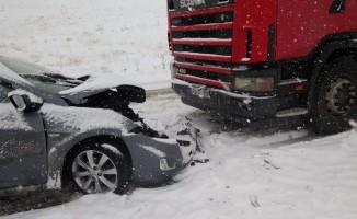 Sivas'ta iki ayrı trafik kazası: 1 ölü, 6 yaralı