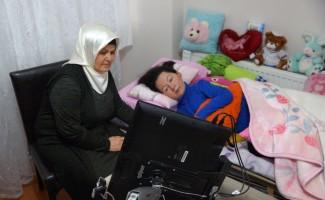 SMA hastası Hatice'nin ilaç sevinci