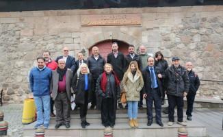 Türk Basın Birliği projeleri için Kazım Kurt'u tebrik etti