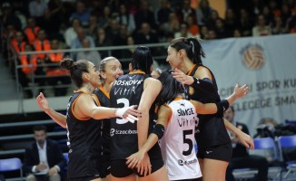 Vestel Venus Sultanlar Ligi: Eczacıbaşı VitrA: 3 - Fenerbahçe: 0