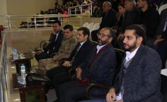 Yazar Sinan Yağmur Tutak'ta okurlarıyla buluştu