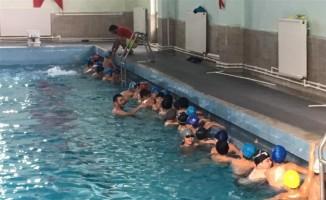 ''Yüzme Bilmeyen Kalmasın Projesi'' başladı