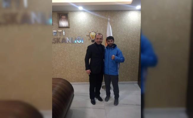 AK Parti İl Başkanı Karabıyık, başarılı sporcuları ağırladı