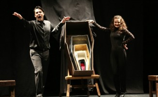'Bebeklerin Ulusu Yok' tiyatro oyunu sahnelendi