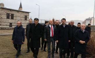 Çevre ve Şehircilik Bakanı Kurum'un Erzurum gezisine Üç Kümbetler damga vurdu