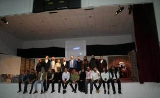 Devrek kampüste İngilizce tiyatro oyunu sahnelendi