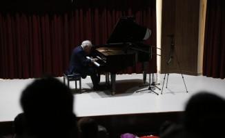 Fransız piyanist Pierre Reach, Tekirdağ'da konser verdi