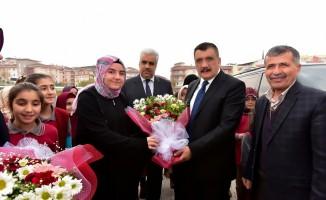 Gürkan lise öğrencileri ile söyleşide bir araya geldi