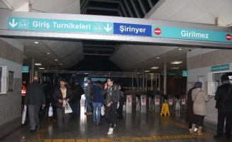 İZBAN'da grev başladı, yolcular geri döndü