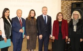 Kadınları kariyer sahibi yapmayı hedefleyen proje Gaziantep'te başladı