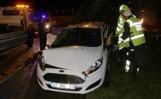 Kazada hurdaya dönen otomobilden burnu bile kanamadan kurtuldu