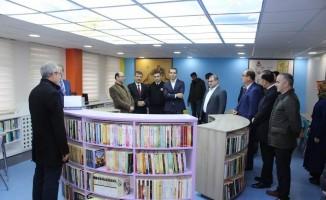 Liseye kütüphane