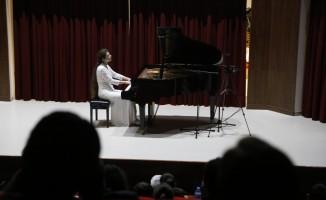 Rus piyanist Gülbadamova Tekirdağ'da konser verdi