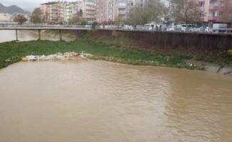 Su canavarlarıyla mücadeleye 'yağış' arası