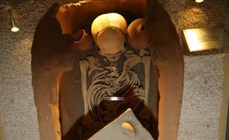 Tokat'ta 2000 yıllık iskelete yoğun ilgi