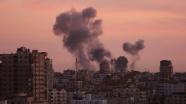 İsrail, Kassam Tugayları'na ait 3 noktaya saldırdı