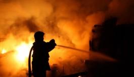 Bursa'da bir evin küle döndüğü yangın paniğe sebep oldu