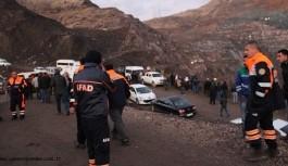 Siirt'te iki işçi için çalışmalar aralıksız sürüyor