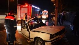 Bursa'da araca sıkışan sürücünün zor anları