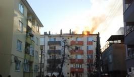 Bursa'da soba kovası binayı yakıyordu