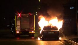 Kaza yapan sürücü aracını yaktı