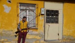 Bursa'da silahla poz verdi, gözaltına alındı